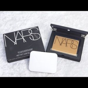 NARS Velvet Pressed Powder MOUNTAIN 0.28oz 8g